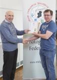 IPF Vice President Sheamus O'Donoghue presenting licentiateship distinction to Paul Grogan