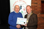 IPF President Dom Reddin presenting Sheamus O'Donoghue with a Honourable Mention Certificate
