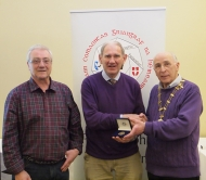 IPF Vice-President Sheamus O'Donoghue pictured with award winner Roger Jones and judge Rikki O'Neill
