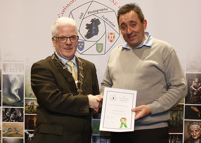 IPF-Vice-President-Liam-Beattie-presenting-David-Lawlor-with-his-Lienctiate-at-the-Sept-Distinctions-in-Carlow-