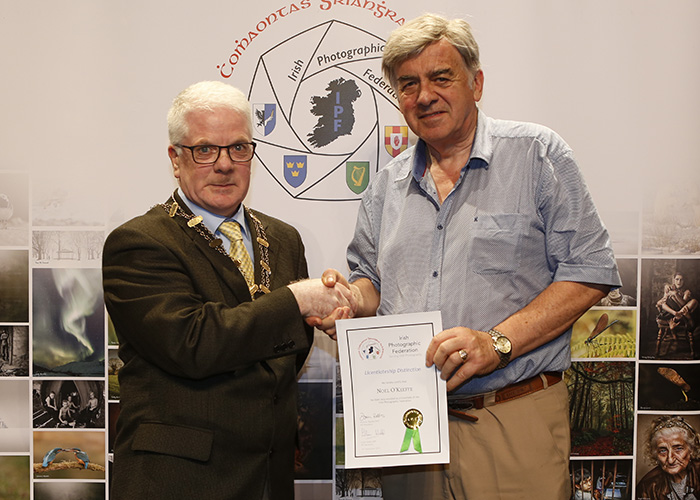 IPF-Vice-President-Liam-Beattie-presenting-Noel-O-Keffe-with-his-Licentiate-at-the-Sept-Distinctions-in-Carlow